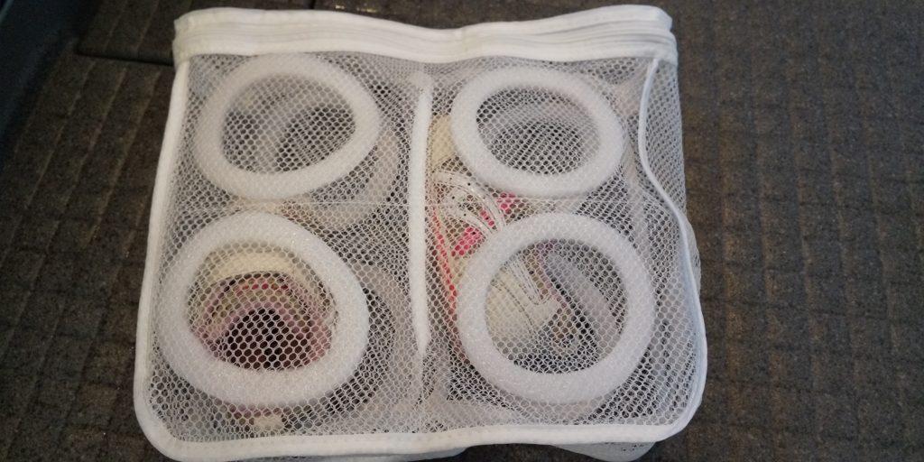 子供の靴と洗濯ネット